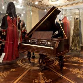 ANTICO E MODERNO: itinerari musicali nelle collezioni dello Schmidl